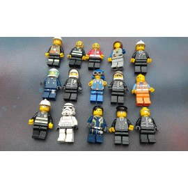 Lego  15 Figures in used Condition