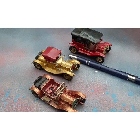 3 Matchbox of Yesteryear cars