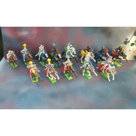 13 Britains Fighting Figures Knights on Horses