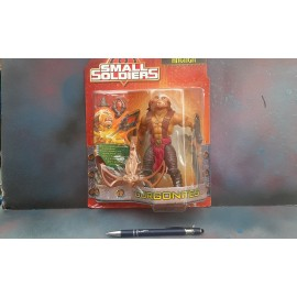Kenner Small Soldiers Archer on Card