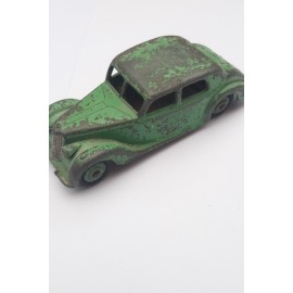 Dinky Toys RILEY no 40A Saloon Car 1947 to