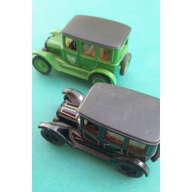 2 Ertl Ford Model 1923 1/43 Mint condition