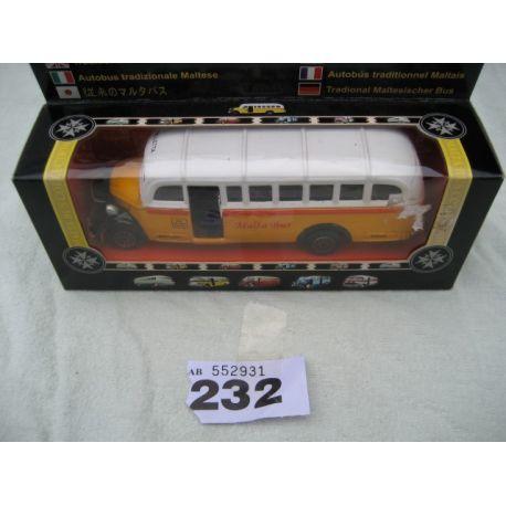 Dis Cast Malta Bus - Model No. 652